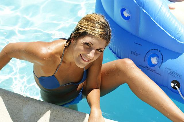dziewczyna basen 2